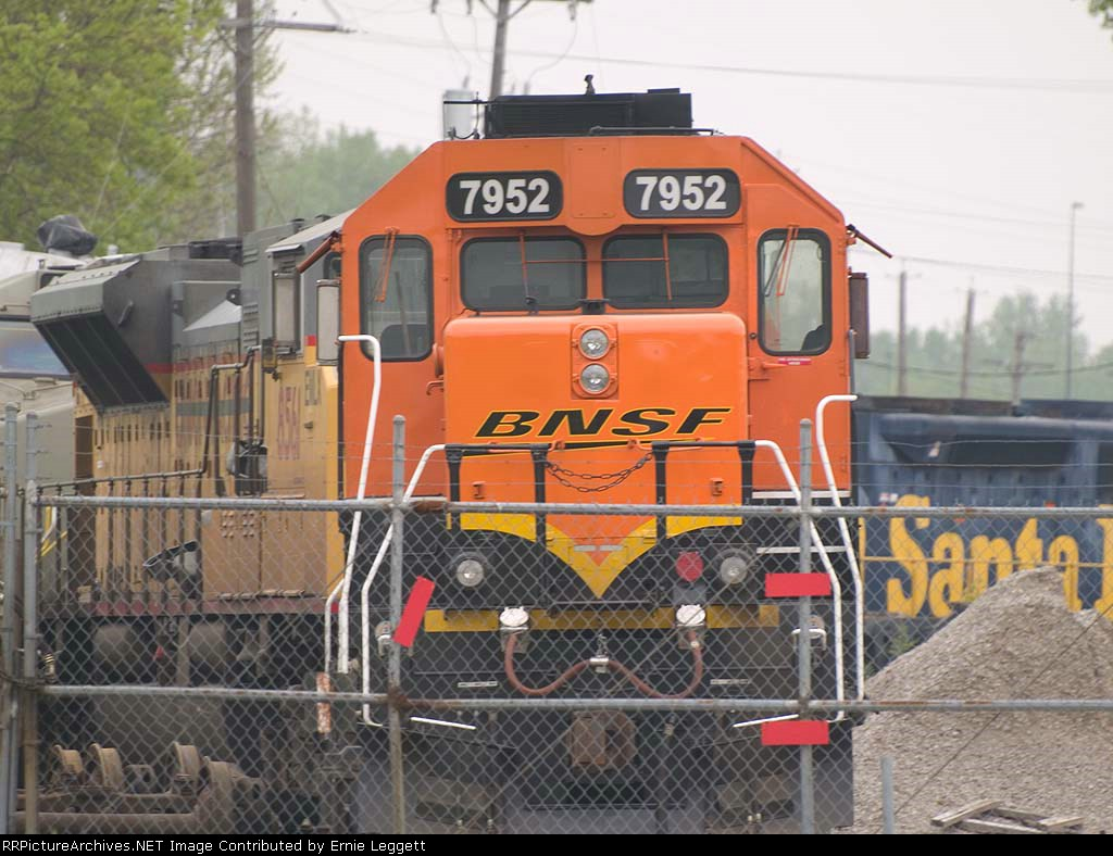 BNSF 7952 at Mid-America Car at 9:21am