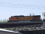 BNSF 4831 leads an EB piggy-back at 10:01am