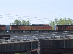 BNSF 4663 #2 power in a WB piggy-back at 10:11am