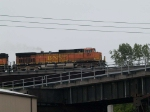 BNSF 5517 leads a WB doublestack at 10:13am