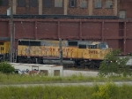 UP 2476 leads a WB autorack at 5:32pm