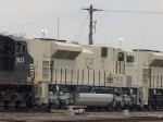 BNSF 9239 #5 power in a SB manifest at 12:26pm