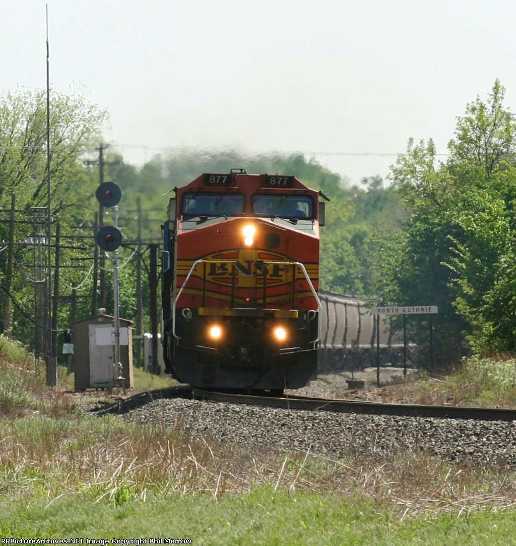 BNSF 877