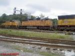 UP SD40-2 3182 & SD70M 4354