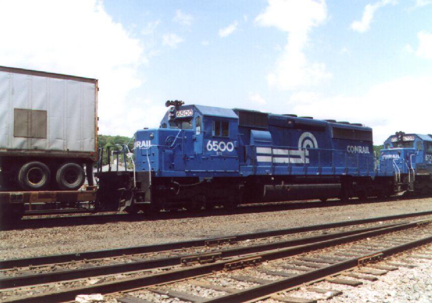 CR 6500 on an intermodal train