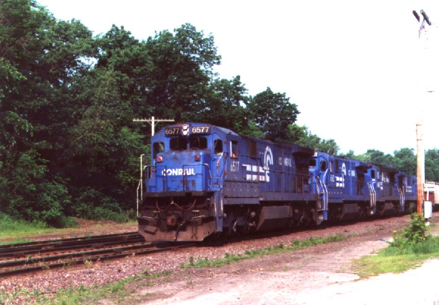 CR 6577 leads a freight