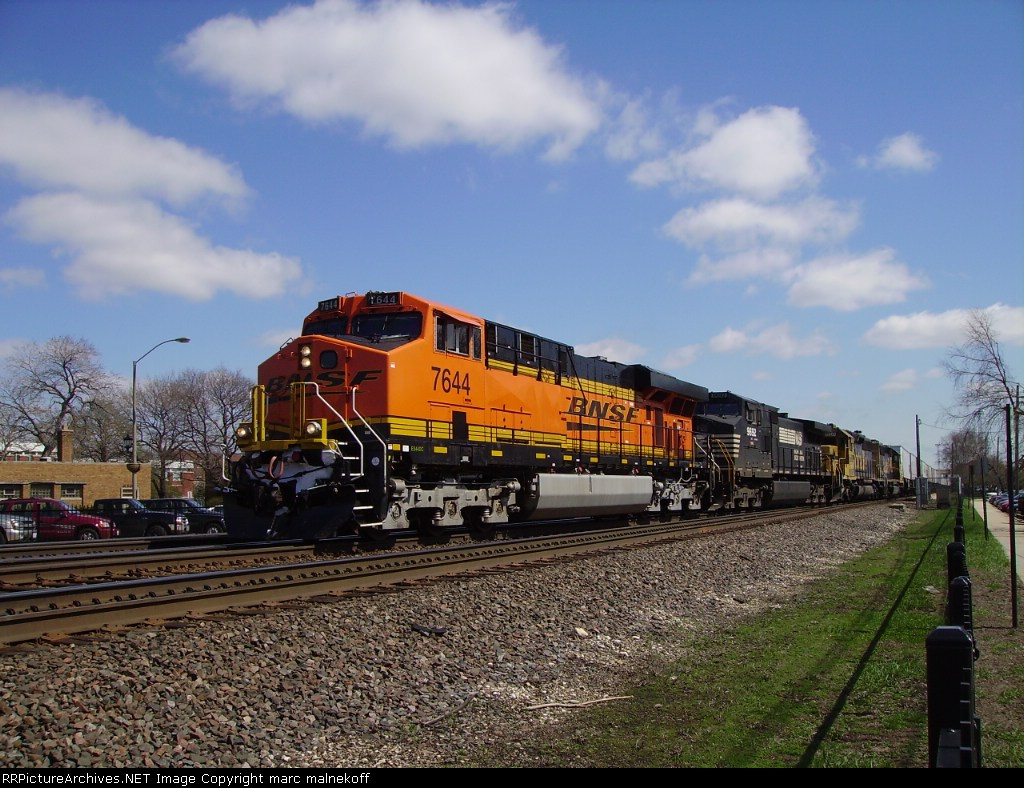 BNSF 7644