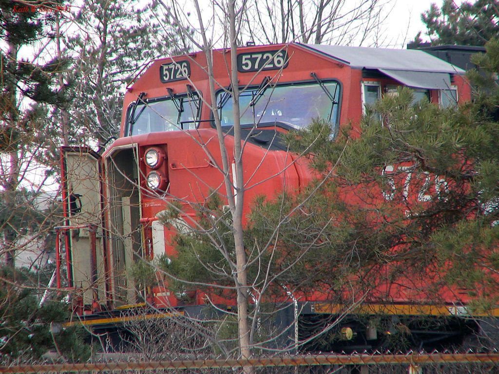 CN 5726 waiting for the clear signal to enter the Oakville Sub