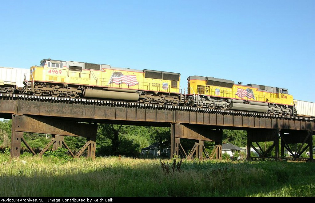 UP 4969 and 8318