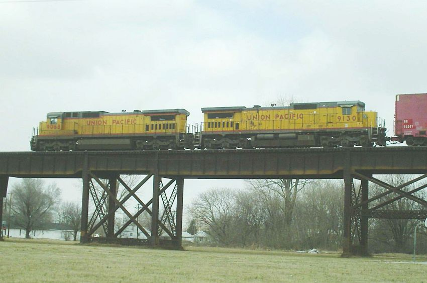 UP 9068 and 9130