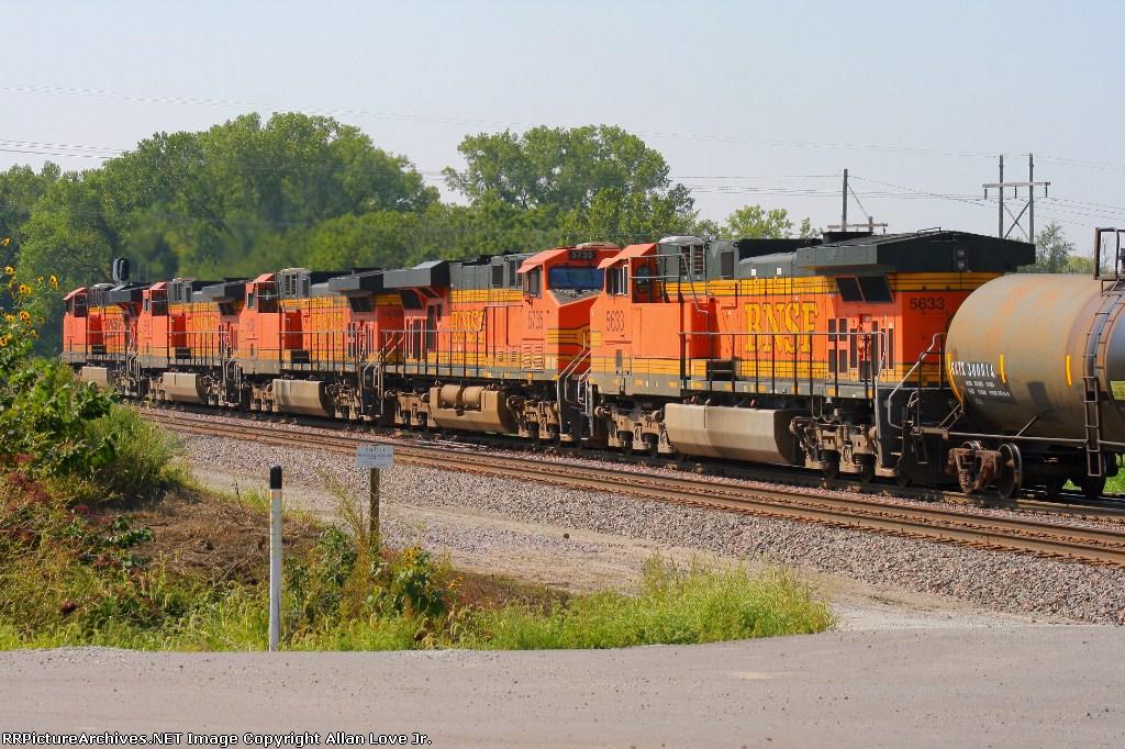 BNSF 5749 west