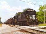 NS 8798 in Jax with a Rack Train