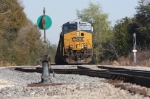 CSX 907 waits for a Florida Northern Crew