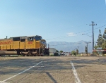 Union Pacific #4168 departs Ontario as it gets a green light
