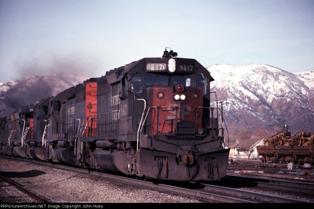 SP 8417 leads 2 more SD40's and 2 SD45's towards Tehachapi Summit.