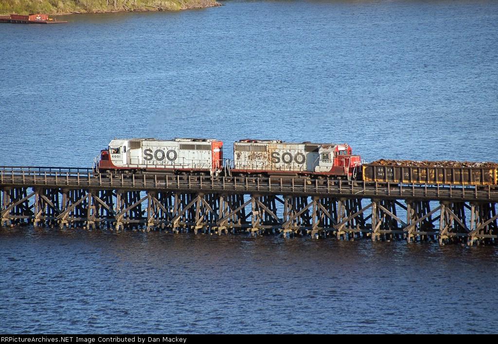 SOO 4603 on Grassy Point Drawbridge