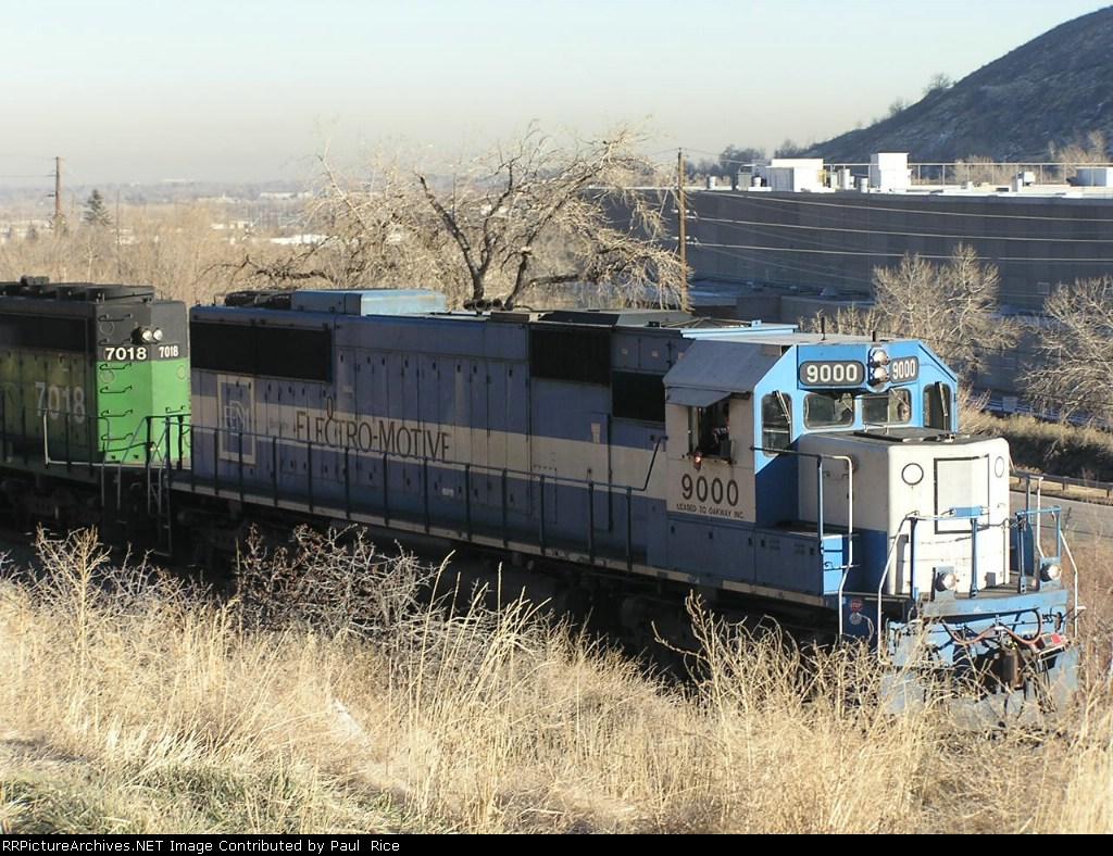 EMDX 9000 & BNSF 7018
