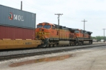BNSF 4036 shoving hard