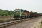 BNSF 8165 with taconite empties