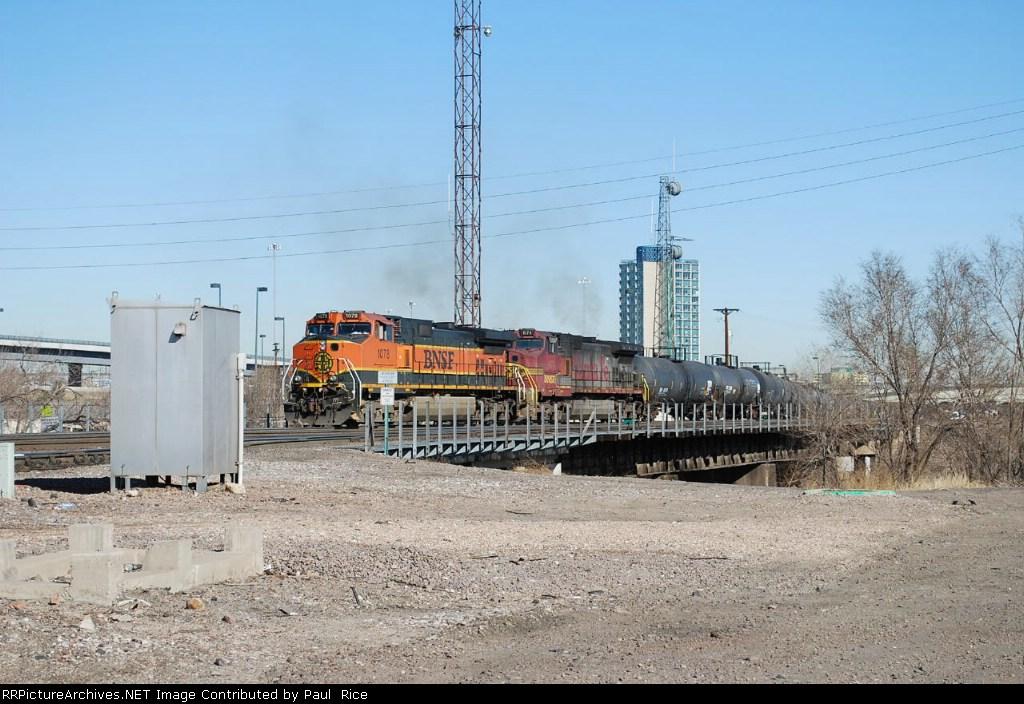 BNSF 1078 Heads South