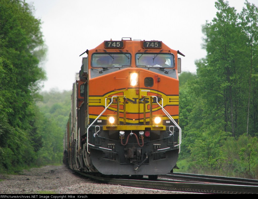 BNSF 745