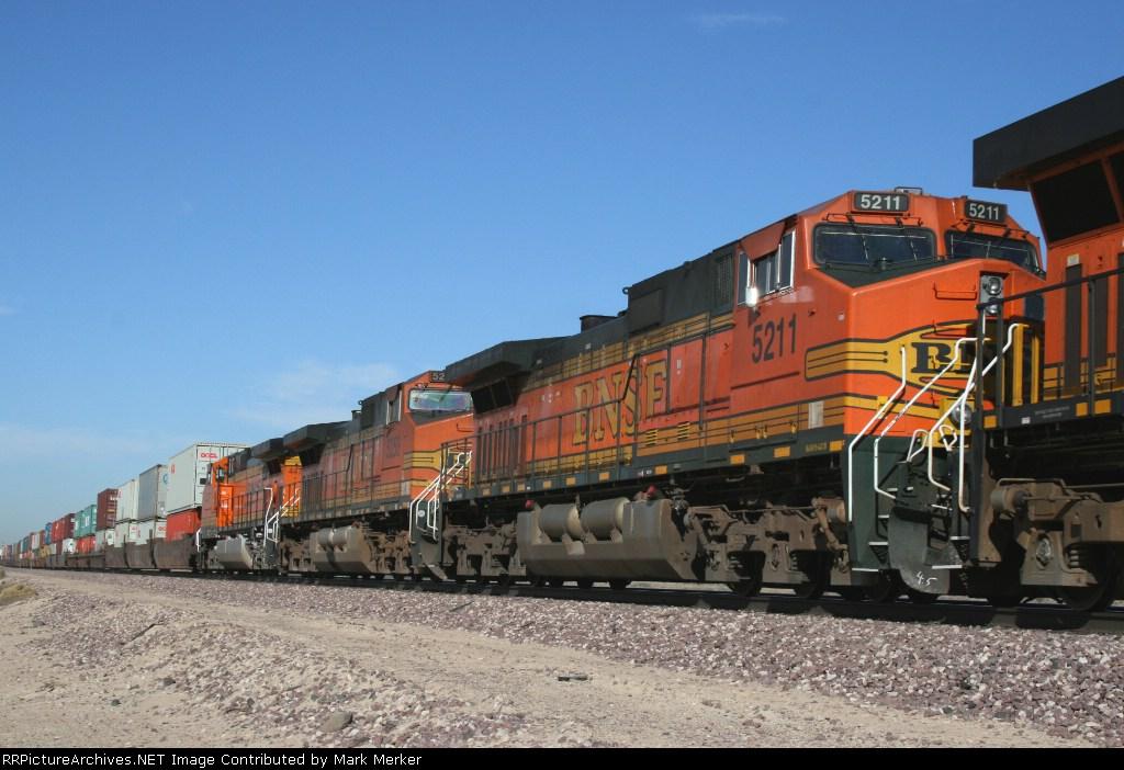 BNSF 5211