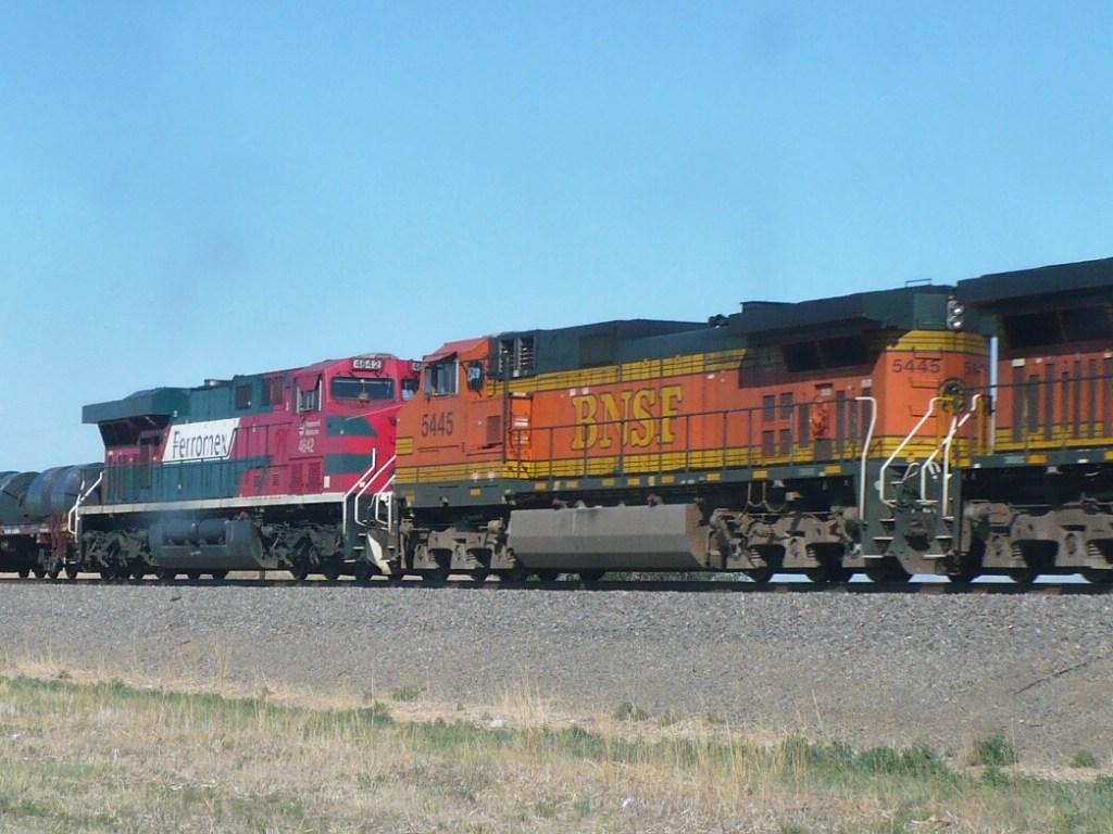 BNSF 5445