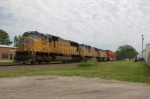 UP 4429 Leads K-Line Stacks WB