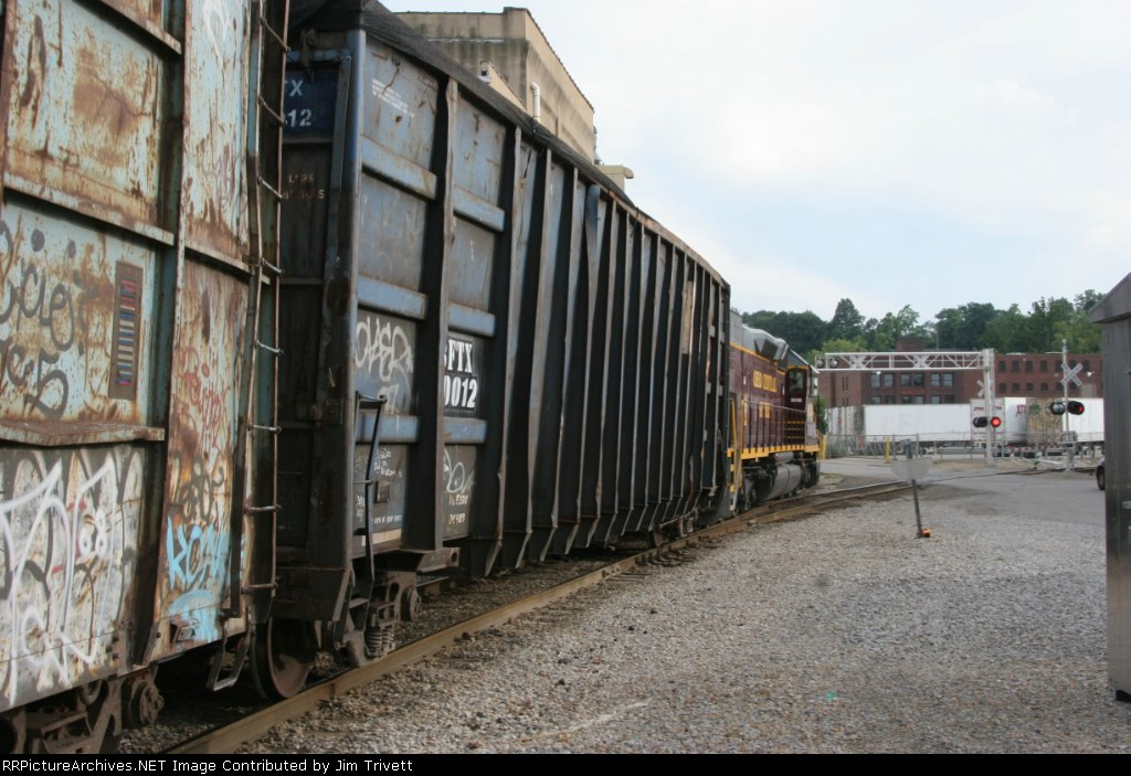 OHCR 4026 departs Zanesville with empties for Oxford and loads for Rehoboth