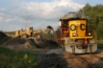 Oxford 992G loader starts loading a train of coal for AEP Conesville