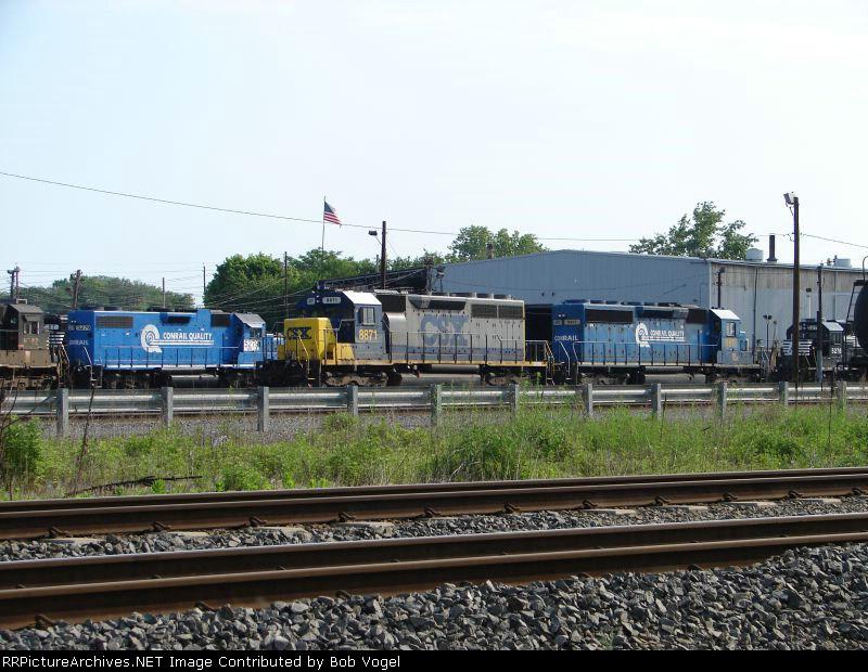 NS 5279; CSX 8871 and 8817