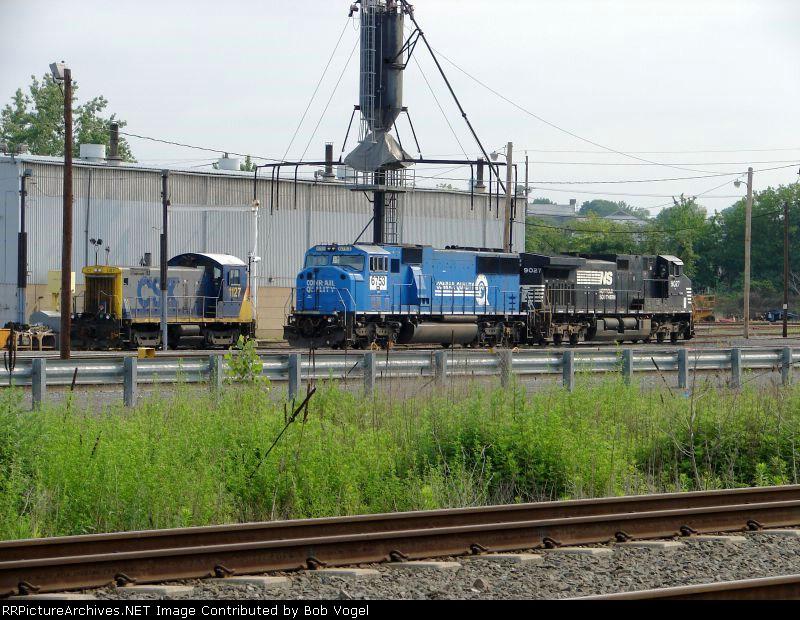 CSX 1127; NS 6753 and 9027