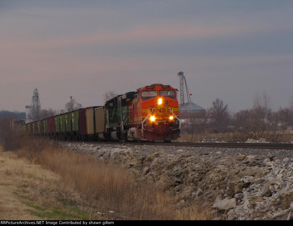 BNSF 4927 heads up a sd60m