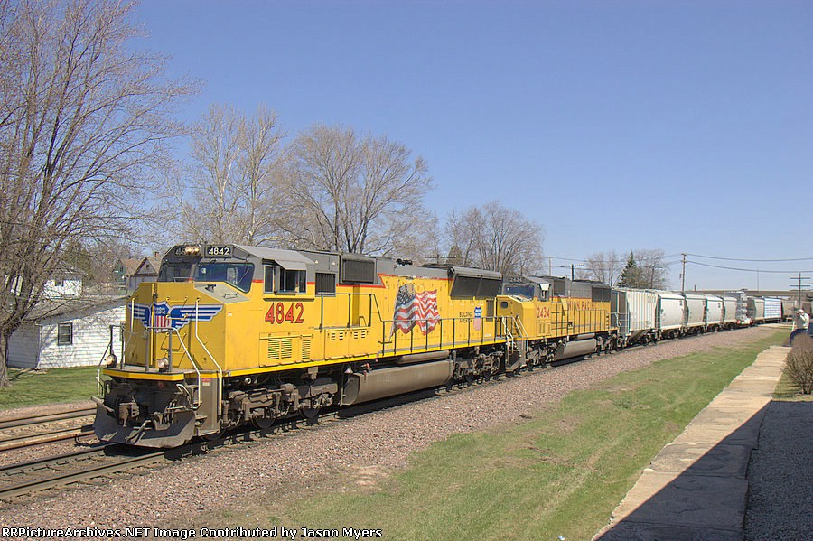 UP 4842 and 2434