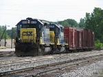 CSX 8405 & 8040 bring Q327-07 into the yard