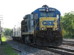 CSX 5891 leads W001-18 through Lamar before shoving back to Grandville via Track 1