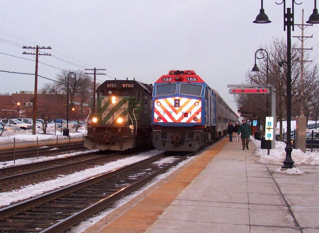 M-BRCGAL and Metra meet at station