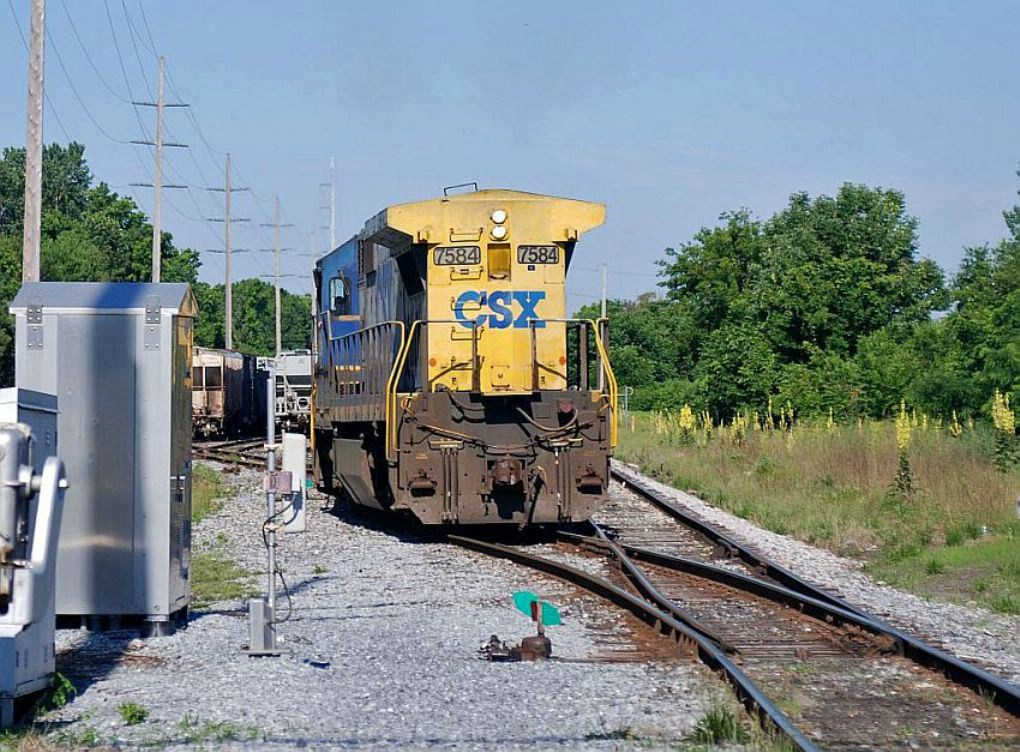 CSX switching in Lester, Pa.