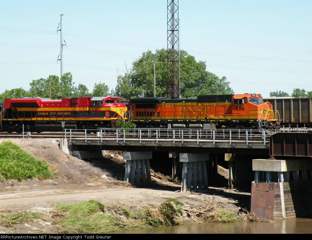 BNSF 856 & KCS 4053