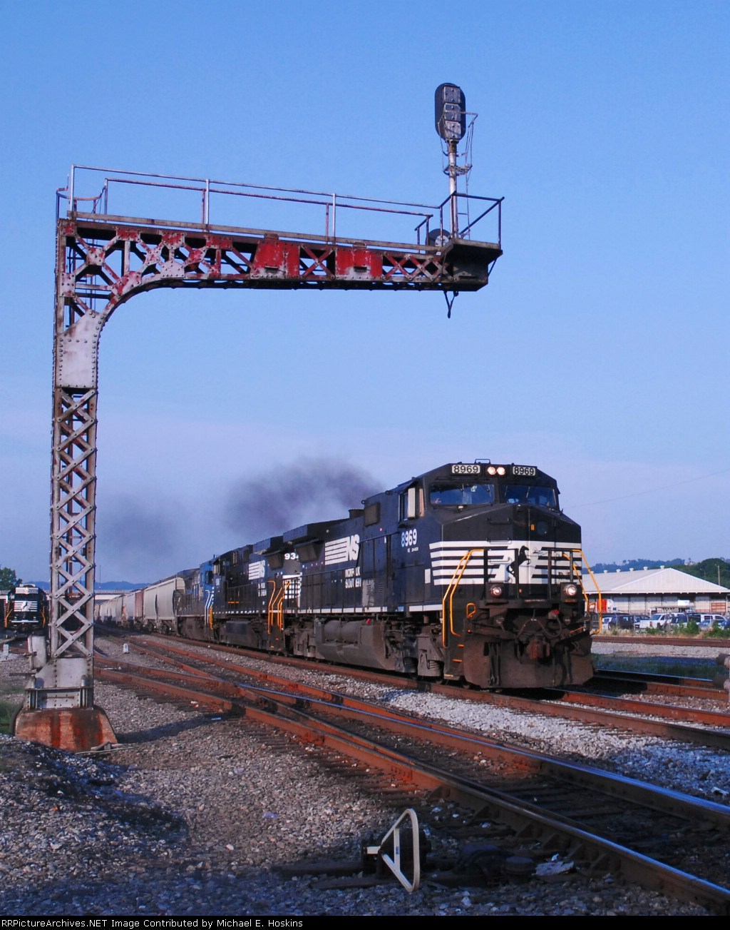 NS 8969 approaches 32nd st.