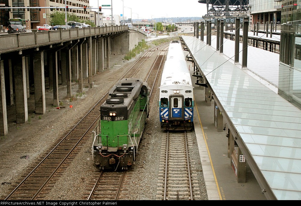BNSF 2817 and SDRX 101