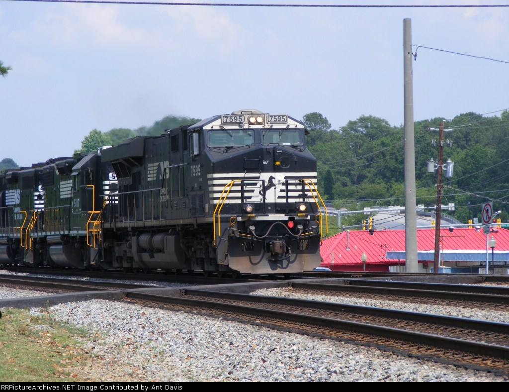 NS 7595 leads a power move