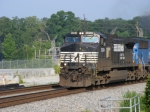 NS 9294 leads a train off the Chattanooga Div.