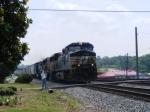 NS 9526 passes through town