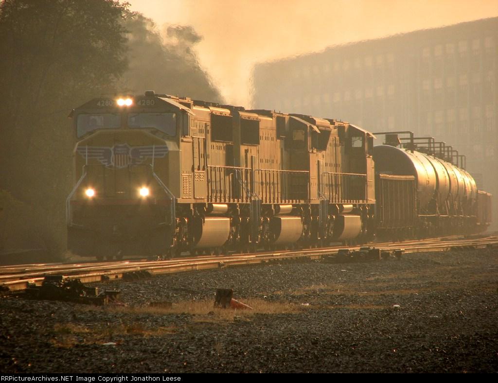 33V heads west at sunrise