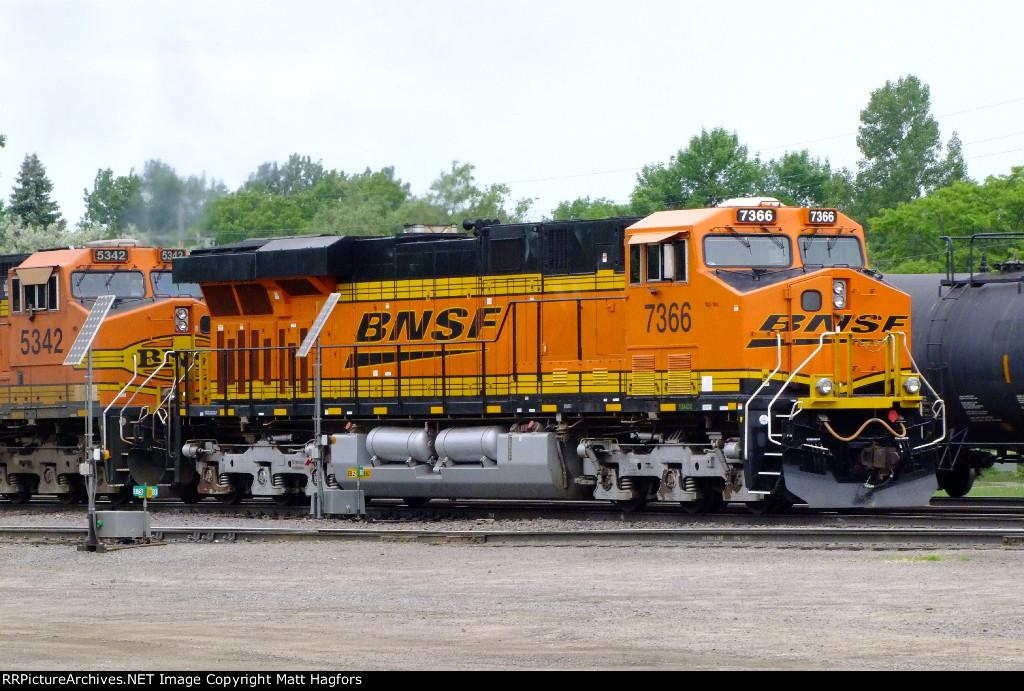 BNSF 7366