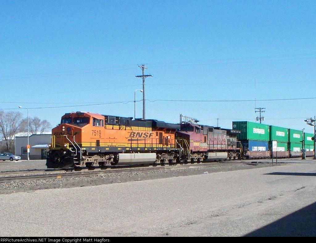 BNSF 7519