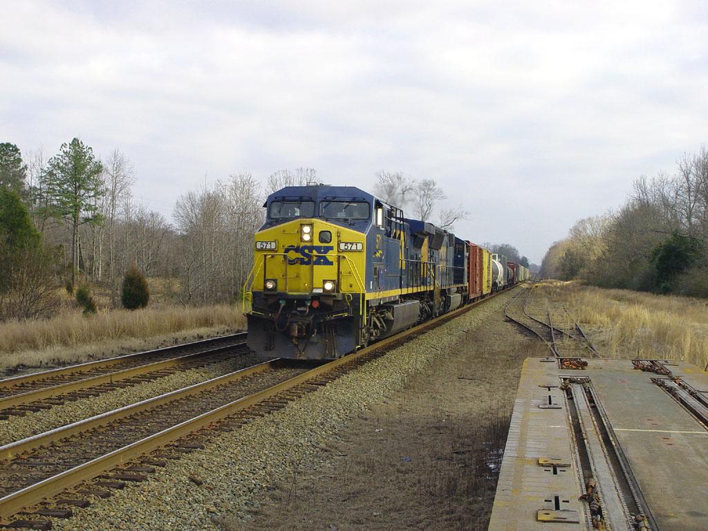 CSX 571 Leads CSX Q406-31