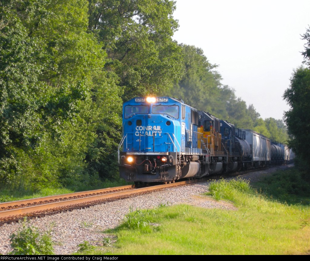 NS 6757 has a Northbound well in hand