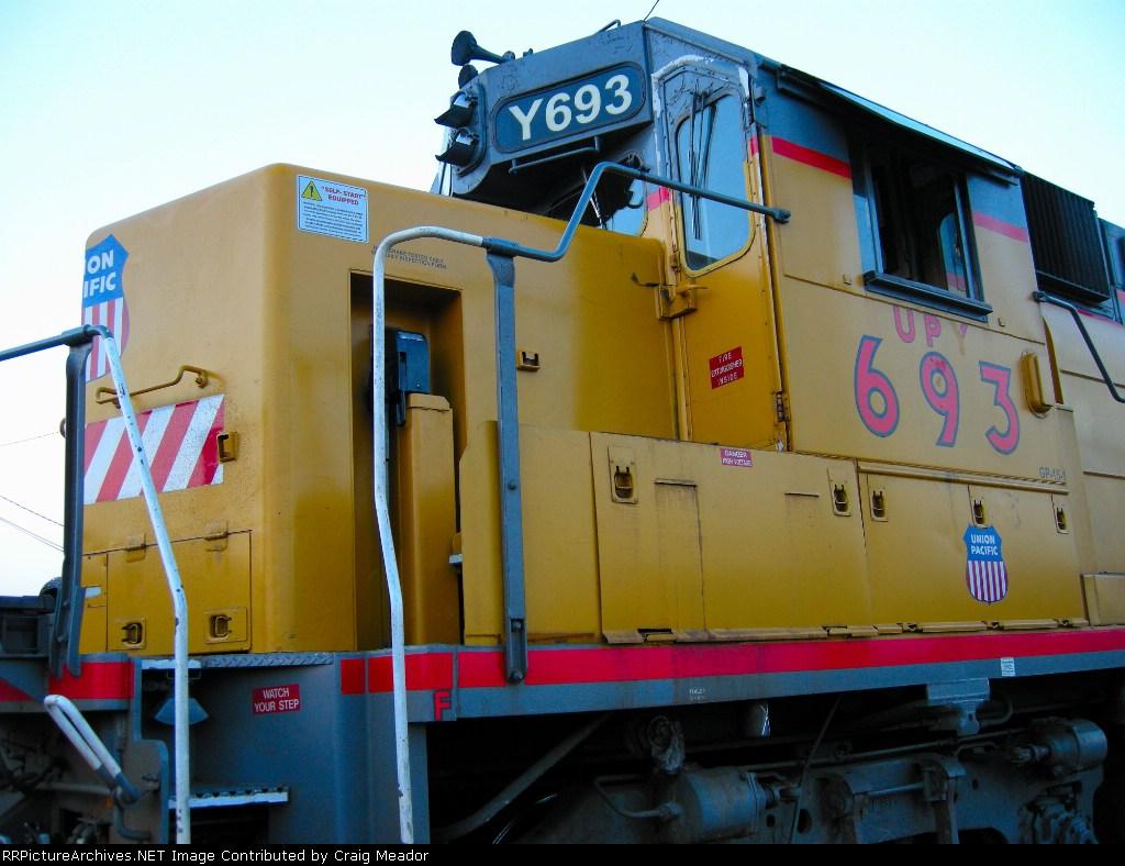 UPY 693